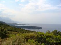 The position of the plot is advantageous, above Kardamili and gives to the plot lovely unobstructed views to the Messinian Bay and towards the village of Kardamili.